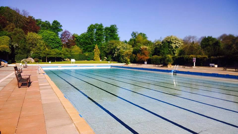 Boots Advert Filmed At Letchworth Outdoor Pool